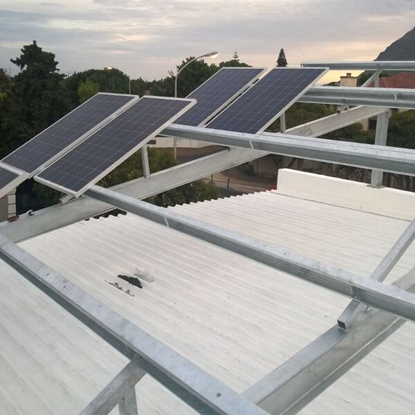 Khung lắp đặt tấm pin năng lượng mặt trời cần đảm bảo sự chắc chắn
