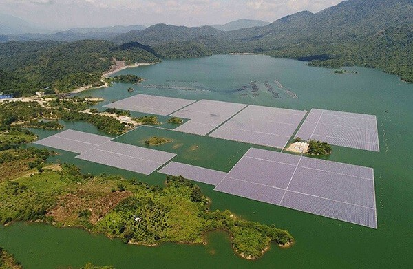 Nhà máy điện mặt trời trên hồ thủy điện Đa Mi