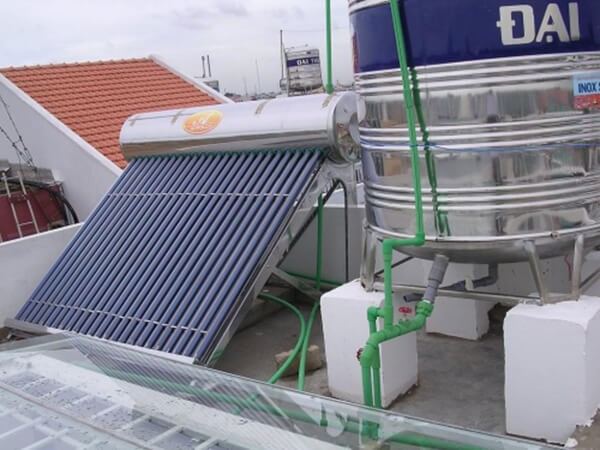 Cách lắp đặt bình nước nóng năng lượng mặt trời
