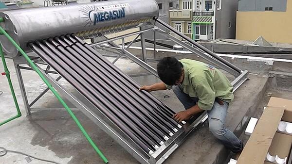 Cách làm và cách lắp đặt bình nước nóng năng lượng mặt trời